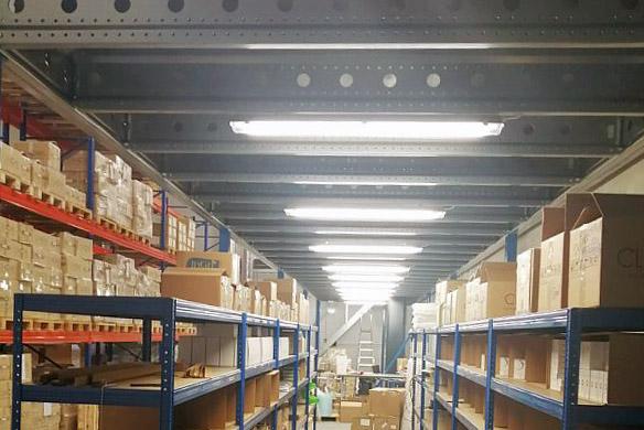 Tööstusruumidesse valgustite paigaldamine